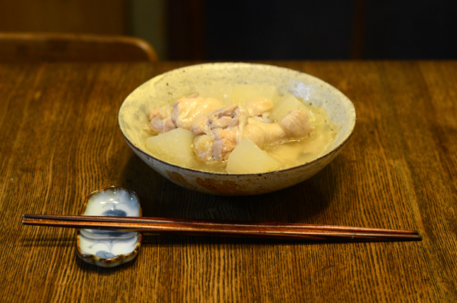 鶏手羽と大根の塩麹煮