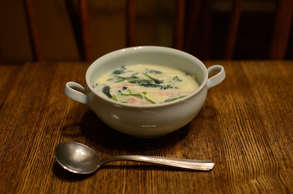 牛乳とほうれん草のスープ